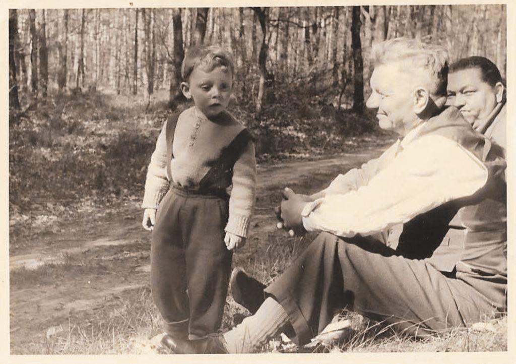 Schorsch (rechts) mit seinem Enkel